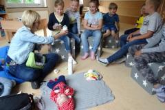 Baby-Besuch in Klasse 2