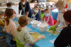 Klasse vier lernt kochen März 2021